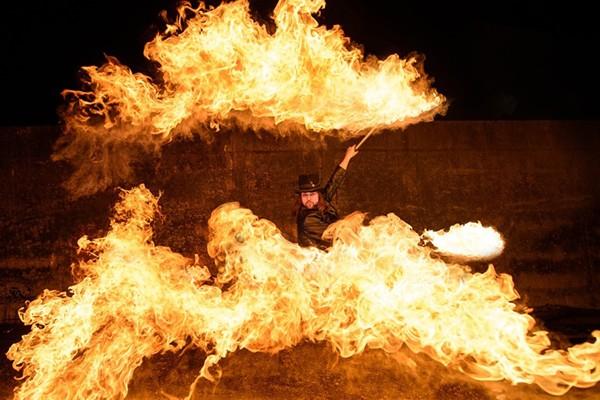 Feuershow mit Axel